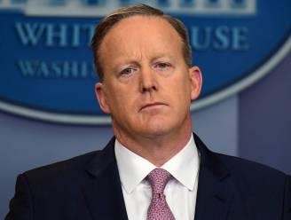 Wie is die Sean Spicer, Trumps woordvoerder met getrokken zwaard?