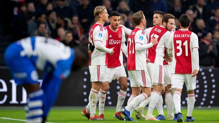 Ajax viert de 2-0 tegen De Graafschap Beeld anp
