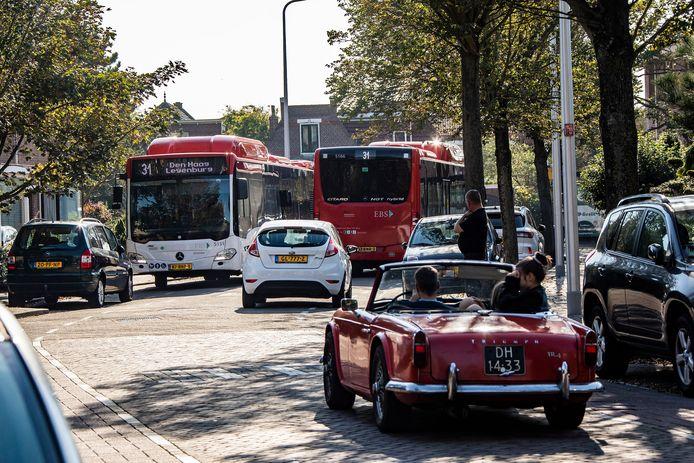 Archiefbeeld. Bussen in de Hortensiastraat.