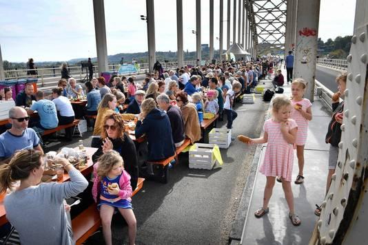 Het Green Capital-ontbijt op de Waalbrug was afgelopen zomer één van de grote publieksevenementen.