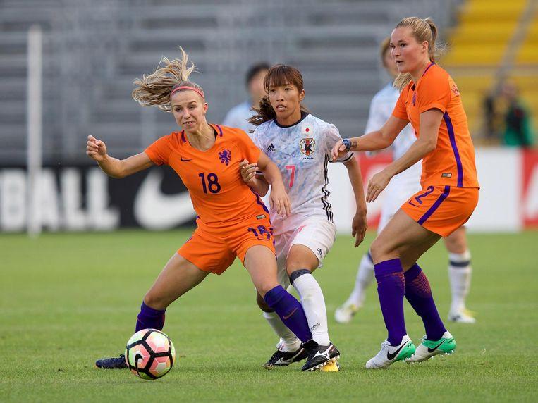 Het Nederlands vrouwenelftal in een oefenduel tegen Japan. Beeld null