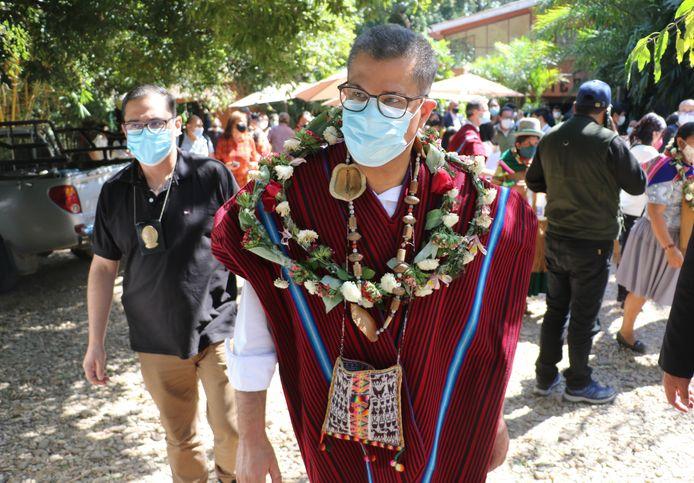 De Britse minister en organisator van de klimaattop COP26 Alok Sharma op een van zijn reizen rond de wereld in het Boliviaanse San Jose.