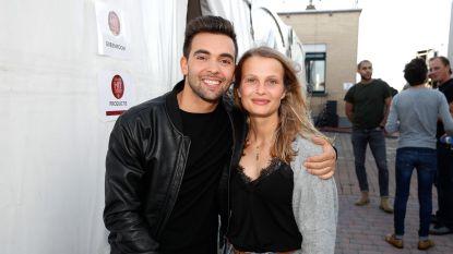 """Julie, ex van 'Thuis'-acteur Mathias Vergels, geeft hun breuk een plaats: """"Ontzettend opgelucht dat ik dit heb overleefd"""""""