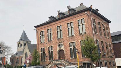 Nog steeds geen beslissing over oud-gemeentehuis: inwoners moeten zich eerst nog over toekomst 19de eeuws stukje patrimonium uitspreken
