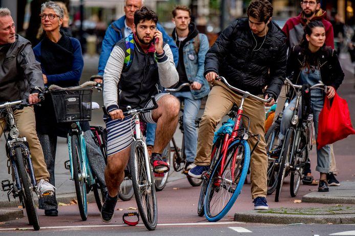 Overal in Nederland is het mobiel bereik excellent, in de auto, trein, lopend en op de fiets