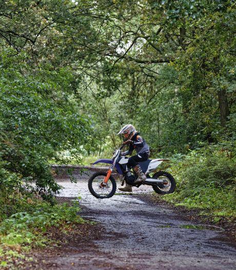 Wandelpaden in het Groene Woud worden langzaamaan circuits voor motorcrossers: 'Groot gevaar voor mensen en natuur'