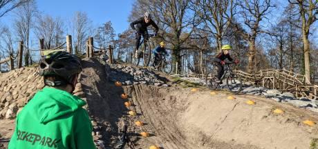 Ex-topschaatser Stefan Groothuis zweert bij bikepark in Holten: 'Veel technische uitdagingen voor beginners en gevorderden'