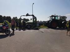Fietser gewond door botsing met tractor in Elburg