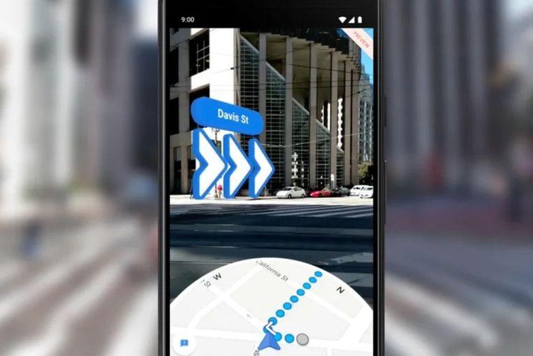 Met Google Maps Live View krijg je richtingaanwijzingen via de camera van de smartphone. Beeld RV