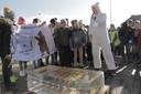 De kinderen van de Meulebeekse scholen moesten een ijsblok zo lang mogelijk bewaren. De school die daar het best in slaagde, was de Sint-Amandusschool.
