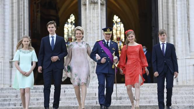 Koning Filip en koningin Mathilde op de fiets voor autoloze zondag in Gent
