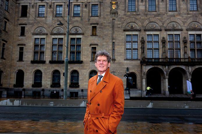 Portret van wethouder Arjan van Gils op de Coolsingel.