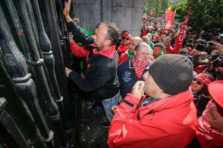 Cipiers uit Wallonië en Brussel legden vorig jaar meer dan drie weken het werk neer. Ze eisten extra geld, extra collega's en betere werkcondities.
