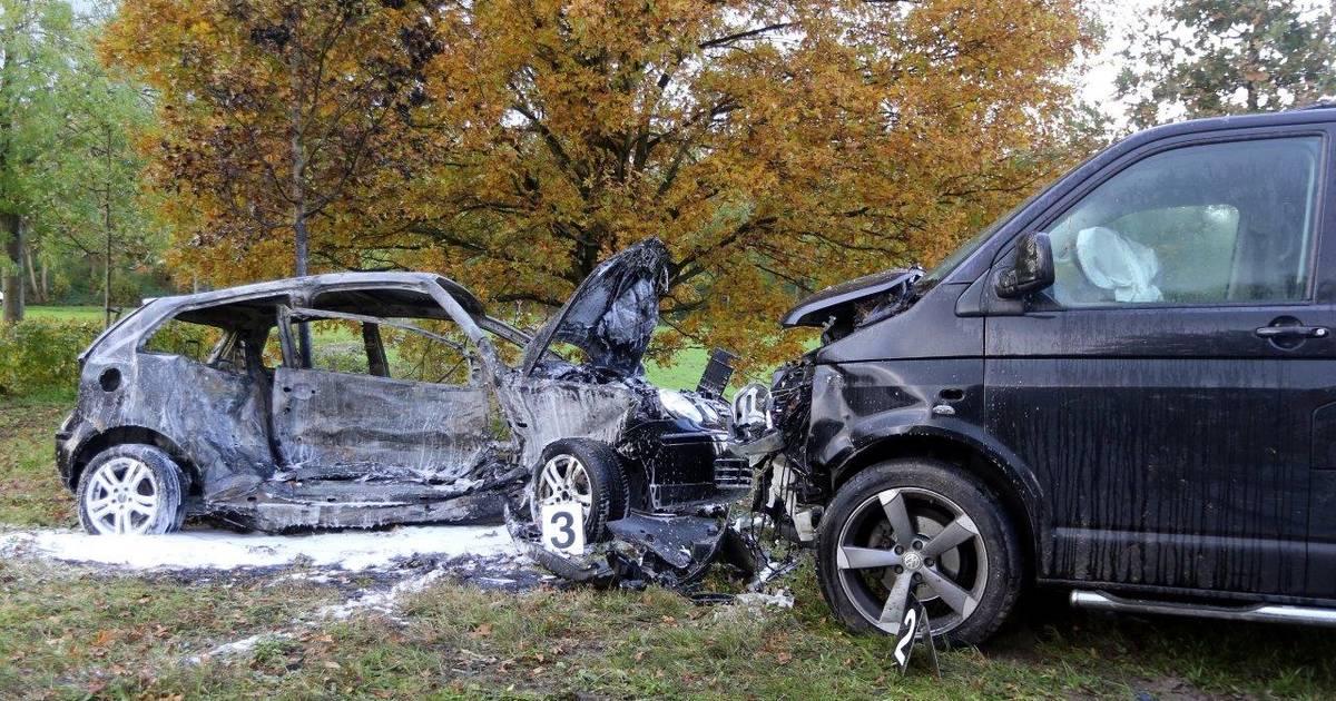 Automobilist zwaargewond na frontale botsing met busje op N617 bij Sint-Michielsgestel, weg dicht.