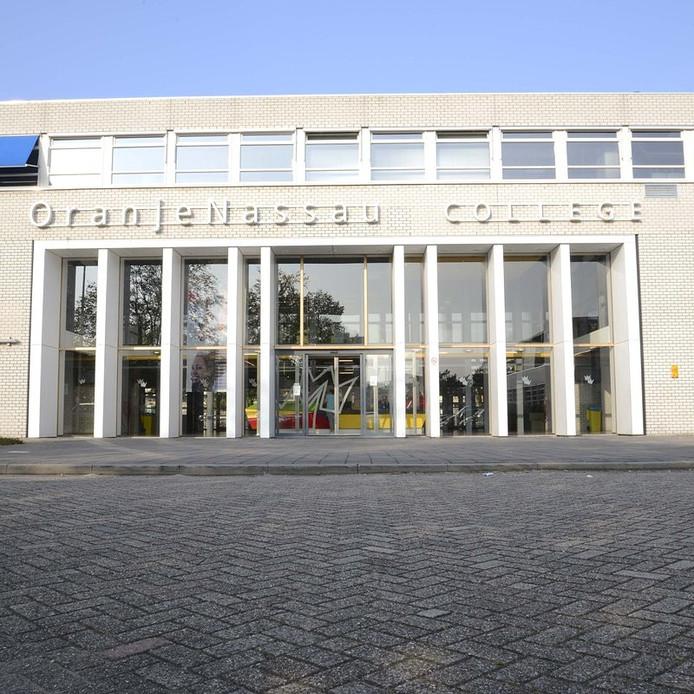 Het Oranje Nassau College aan de Clauslaan in Zoetermeer.