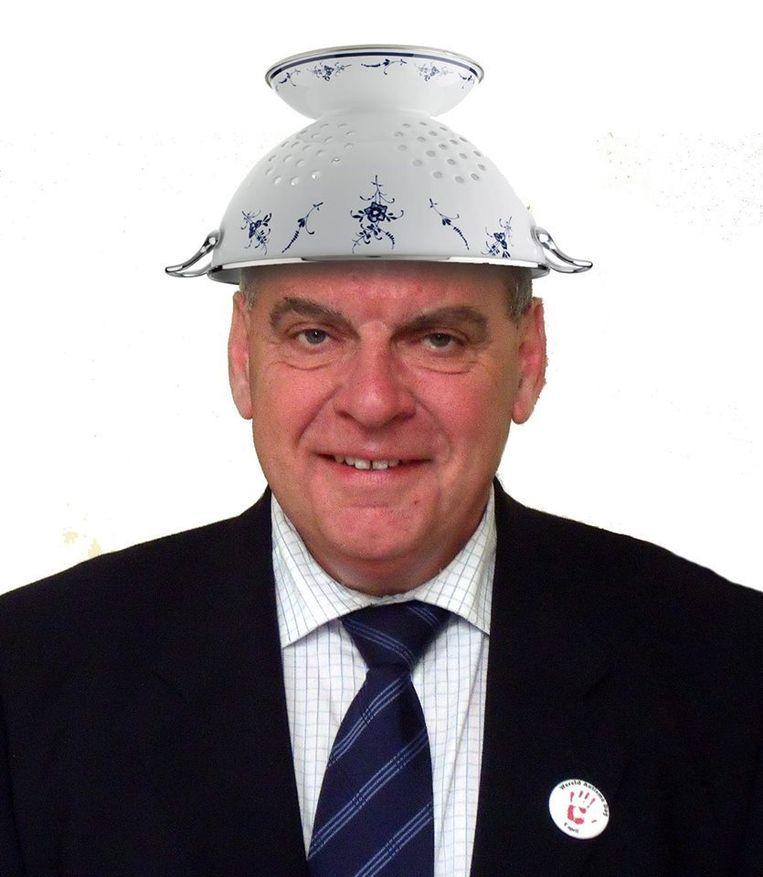 De Gentse burgemeester is nog geen belijder van het pastafarianisme. Beeld Yves Geunes/Facebook