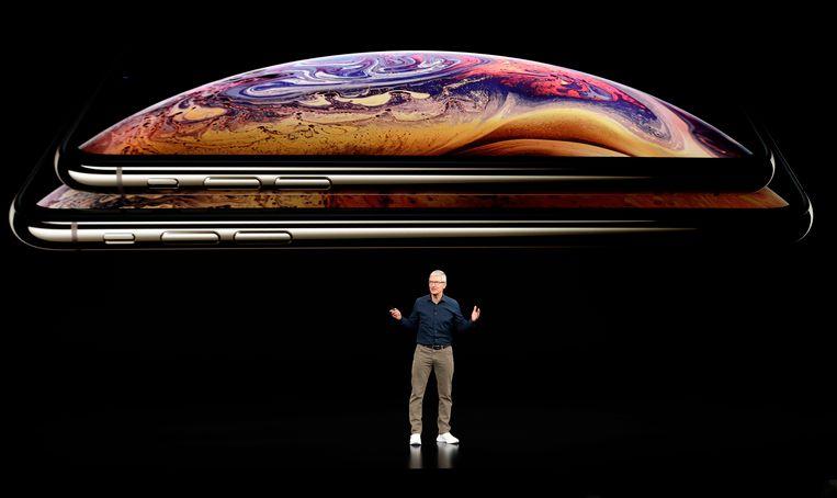 Apple-baas Tim Cook presenteert de nieuwe iPhones op het grote Apple-event in september.  Beeld AP