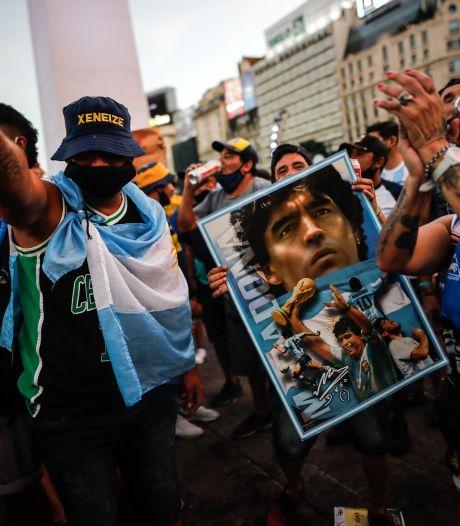Argentijnen de straat op voor Maradona: 'Hij is niet overleden, hij is vermoord'