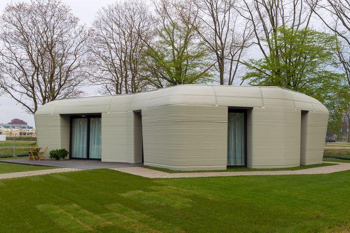 De eerste beton geprinte woning in Meerhoven is opgeleverd.