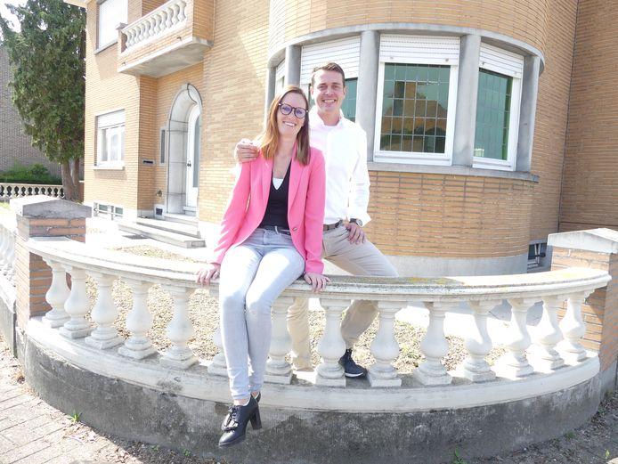 Sven Goeman en Stephanie Vanzieleghem bij hun nieuw restaurant in Olsene.