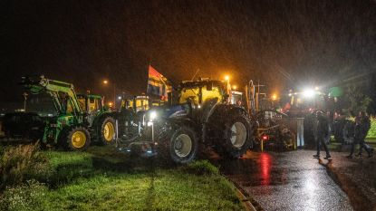 Boeren opnieuw de weg op in Nederland uit protest, distributiecentra geblokkeerd