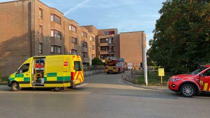 Twee bewoners naar ziekenhuis na rookontwikkeling in serviceflats