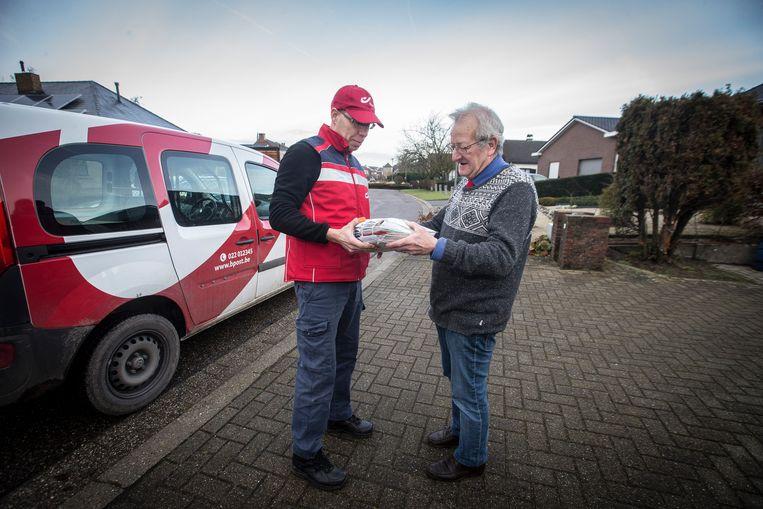 Het KMI wil postwagens uitrusten met meetapparatuur om zo betere weervoorspellingen te doen. Beeld Photo News