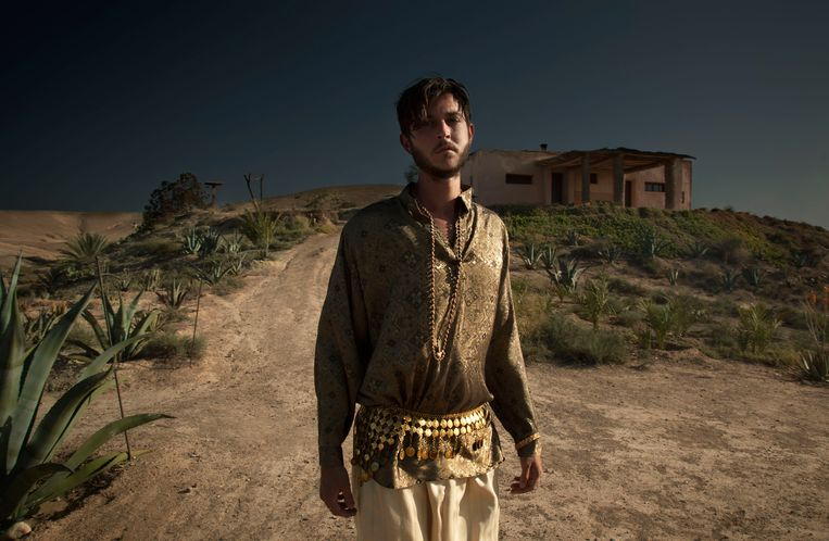 Max Colombie, frontman van Oscar and the Wolf: