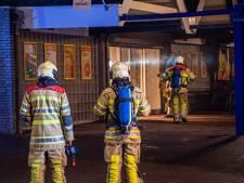 Veel schade aan winkelpand MCD in Leerdam door brand