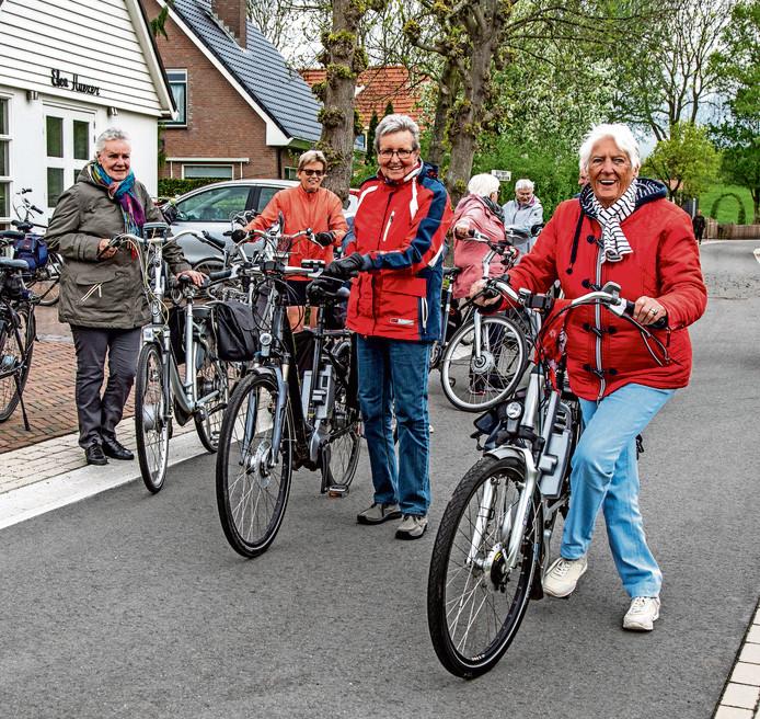 39 senioren op een e bike worden overmoedig 39 zwolle. Black Bedroom Furniture Sets. Home Design Ideas