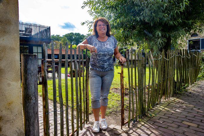 """Francien van de Ven strijdt voor een open deuren beleid in alle verzorgingshuizen van Nederland. ,,In Duitsland bestáán gesloten-deureninstellingen niet. Waarom hier wel? Ik denk dat het angst is."""""""