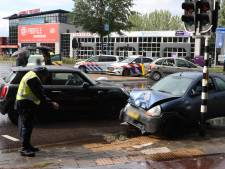 Geboeide verdachte vlucht na ongeval in Veenendaal