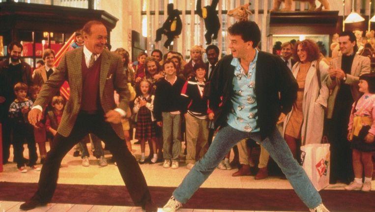 Robert Loggia en Tom Hanks in Big. Beeld anp