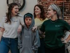 Twee Antwerpenaren starten kledinglijn 'Hoor'k a nog?!' om horeca en cultuursector te steunen