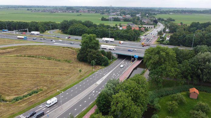 De snelweg A12 bij Woerden gaat later dit jaar enkele weken dicht. Gevreesd wordt voor veel files en een verkeersinfarct.