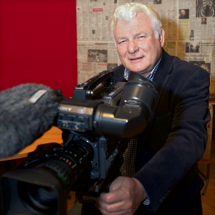 Ad Kraamer. Geen voorzitter meer van HTR, maar hij blijft wel actief bij het maken van tv-programma's voor de Heusdense lokale omroep.