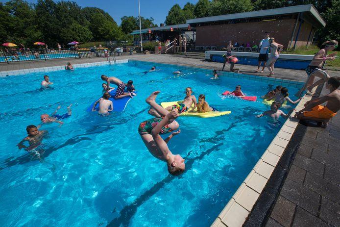 De gemeente Dronten betaalt het leeuwendeel van de grote opknapbeurt van zwembad De Alk in Biddinghuizen.