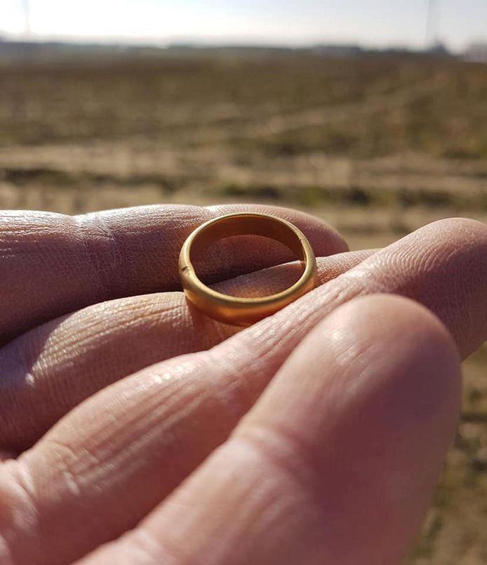 De gevonden ring.
