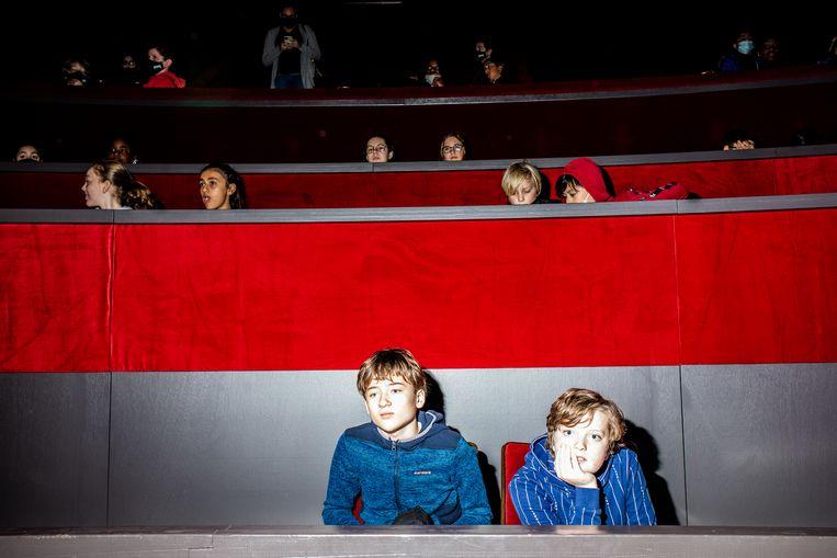 De leerlingen van het Berlage Lyceum kregen onder meer in de grote zaal van Carré les. Beeld Nosh Neneh
