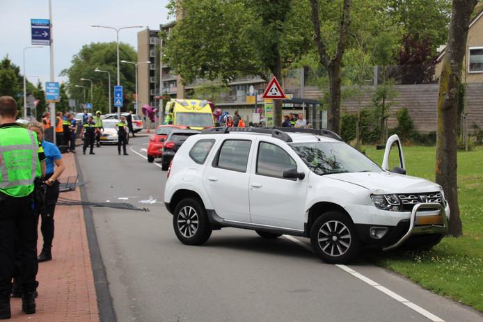 Voetganger zwaargewond door ongeluk met auto op Middel Broekweg in Naaldwijk.