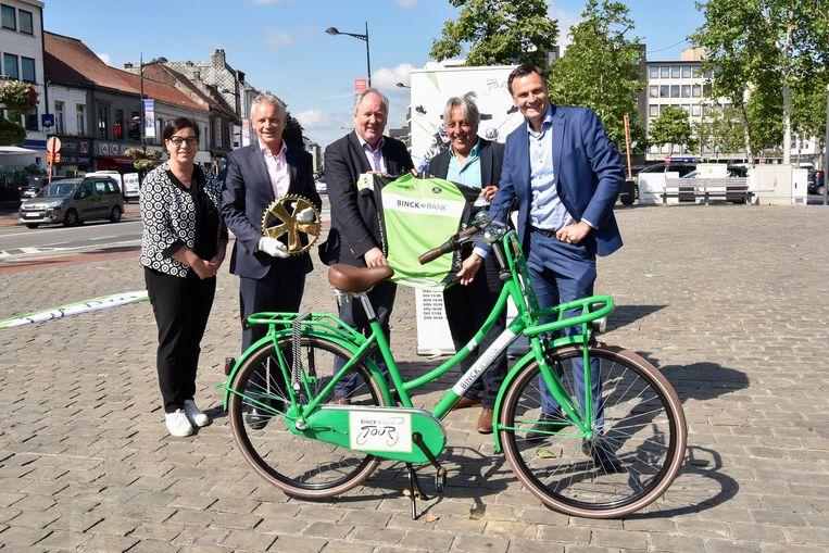 Eddy Planckaert mocht als ambassadeur van de Binckbank Tour het parcours in Beveren al eens komen verkennen.