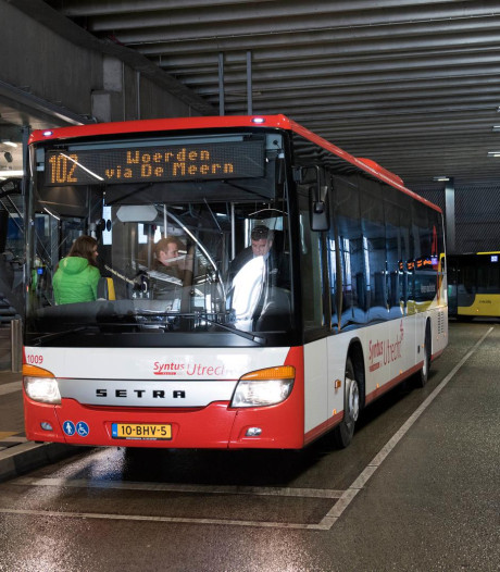 Wanbetalers in bussen tussen Utrecht en Veenendaal uit azc aangepakt