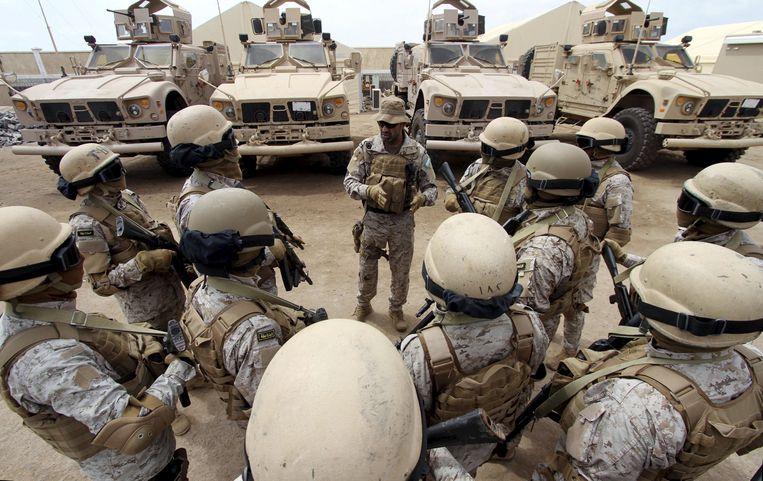 Saoedische troepen op hun basis in de Jemenitische havenstad Jemen. Archieffoto.