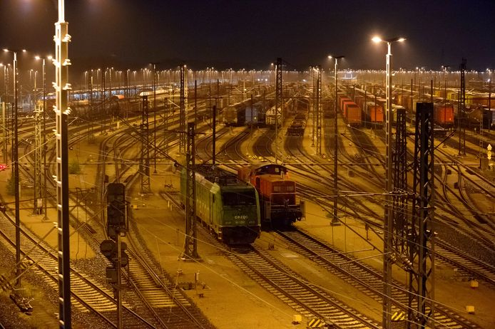 Het goederenstation van Maschen in Duitsland afgelopen nacht.