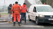 VIDEO. Bestuurder gearresteerd nadat hij wapen bovenhaalt aan stakerspost Meulestedebrug Gent