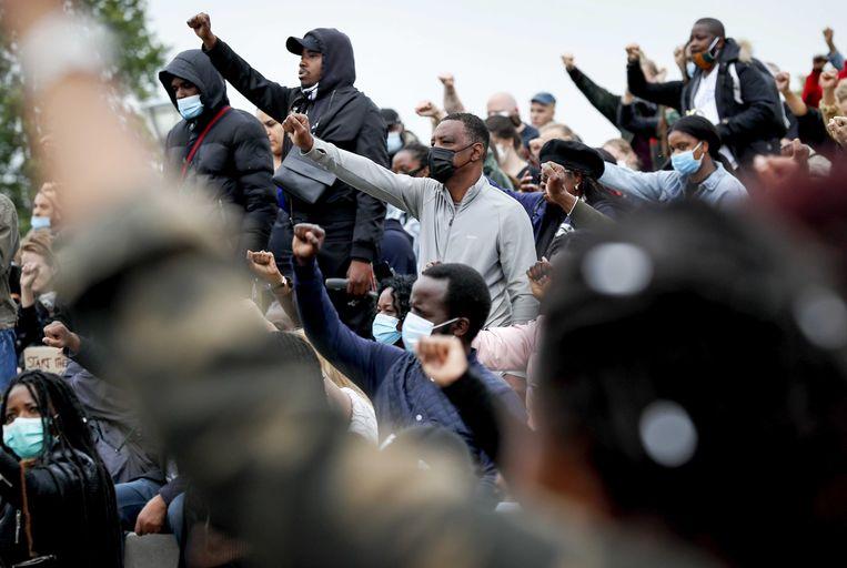 Demonstratie tegen racisme in het Nelson Mandelapark in Amsterdam-Zuidoost. Beeld ANP