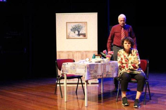 Scène uit het toneelstuk Jet en Harrie van Theater Ervarea.