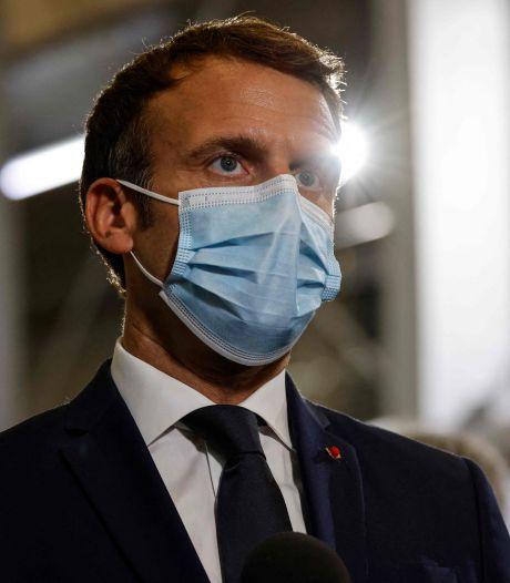 """Un """"gilet jaune"""" interpellé pour avoir remplacé le portrait de Macron par un QR code"""