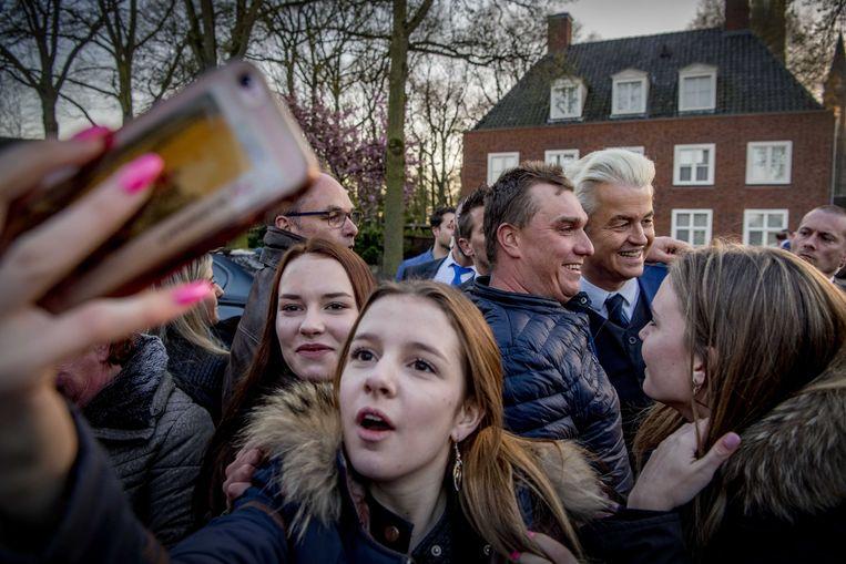 PVV-leider Geert Wilders tijdens een bezoek aan de gemeente Rucphen als dank voor hun steun. Beeld ANP