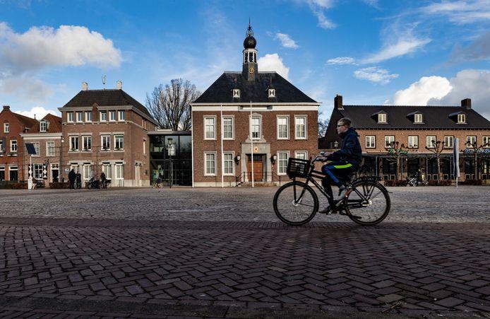 Het gemeentehuis van Gemert-Bakel aan het Ridderplein.